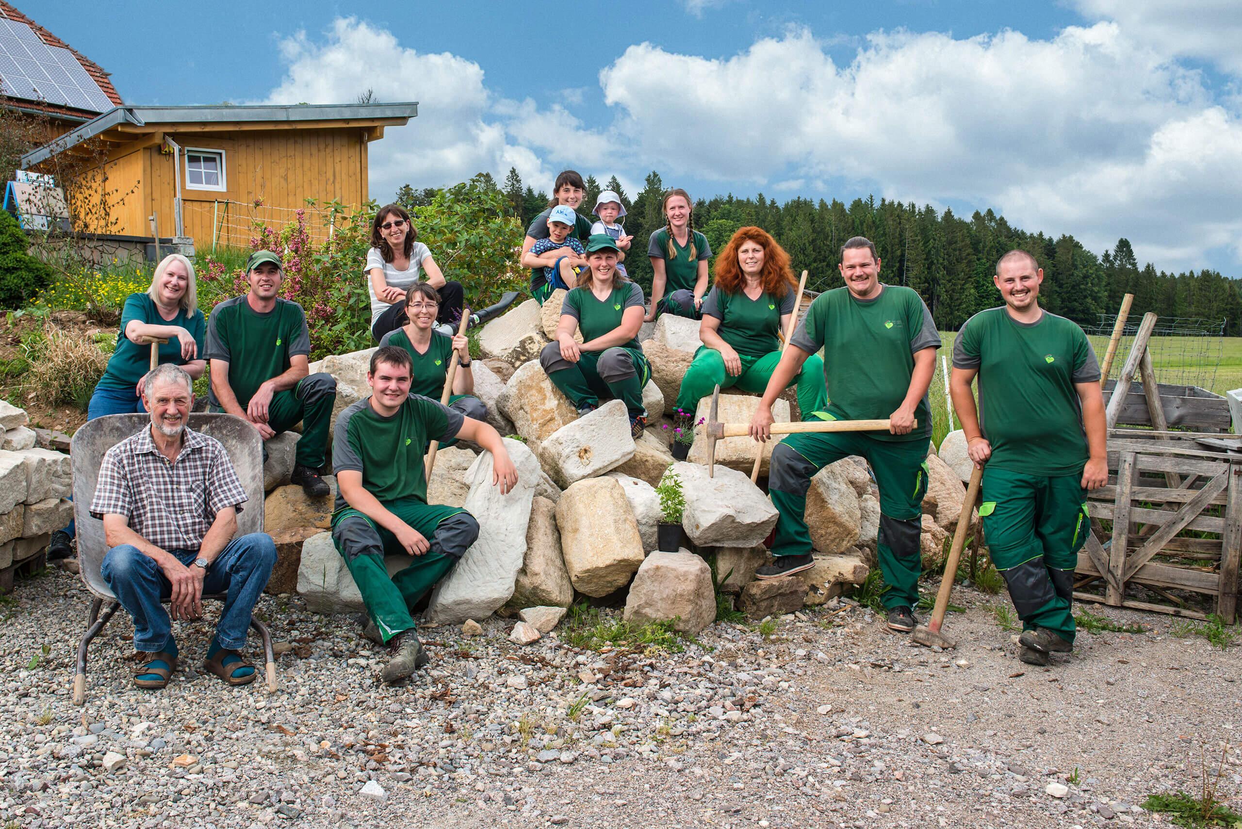 gartenbau-landschaftsbau-naturstein-team-gerteiser