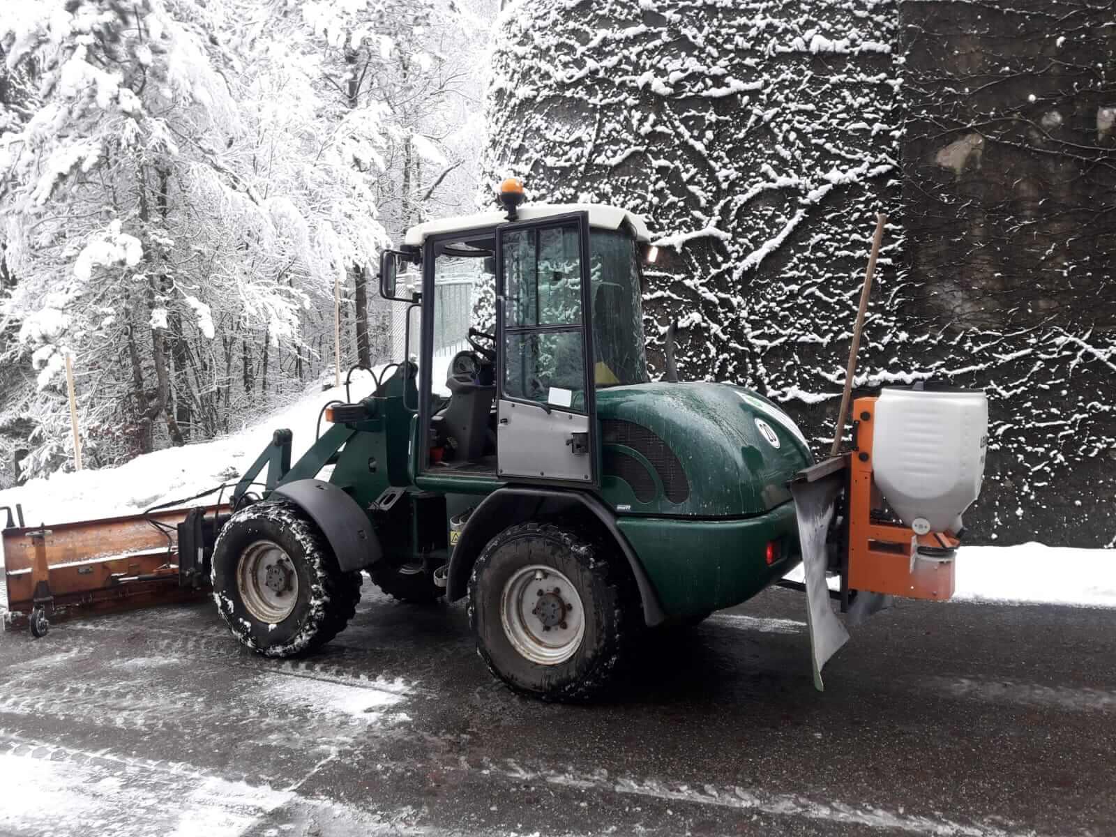 winterdienst-streuen-salzen-raeumen-gartenbau-gerteiser-2